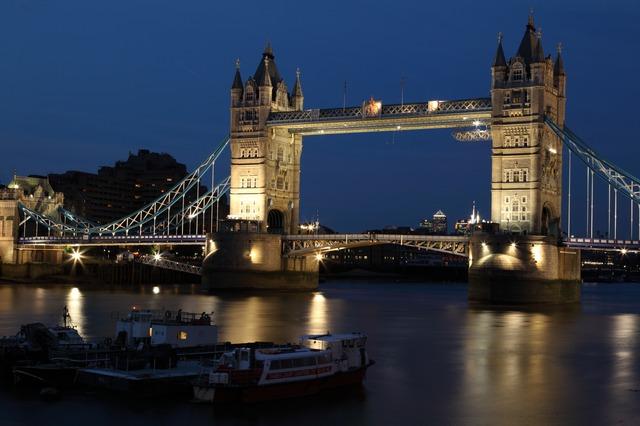 londyn opawy most